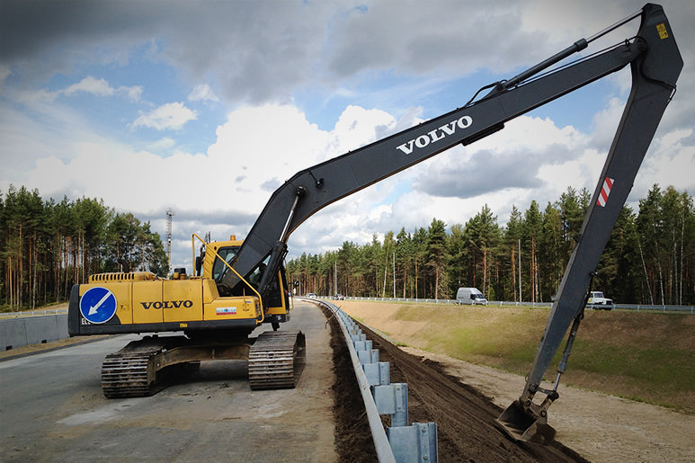 Volvo excavator with Xsite system for better dredging results