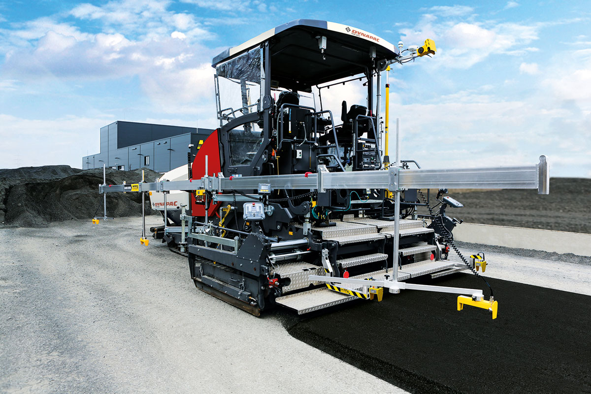Paver equipped with PAVE-TM, PAVE-IR, Big Sonic-Ski, MOBA-matic