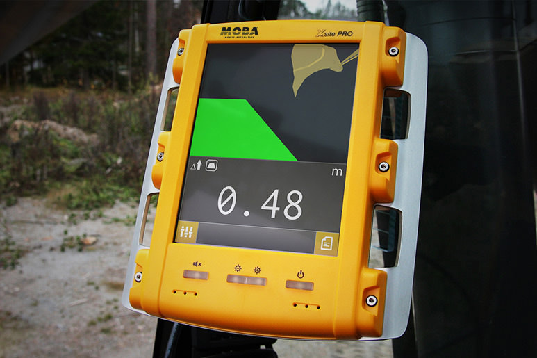 MOBA Xsite EASY control panel for optimal earthmoving project results