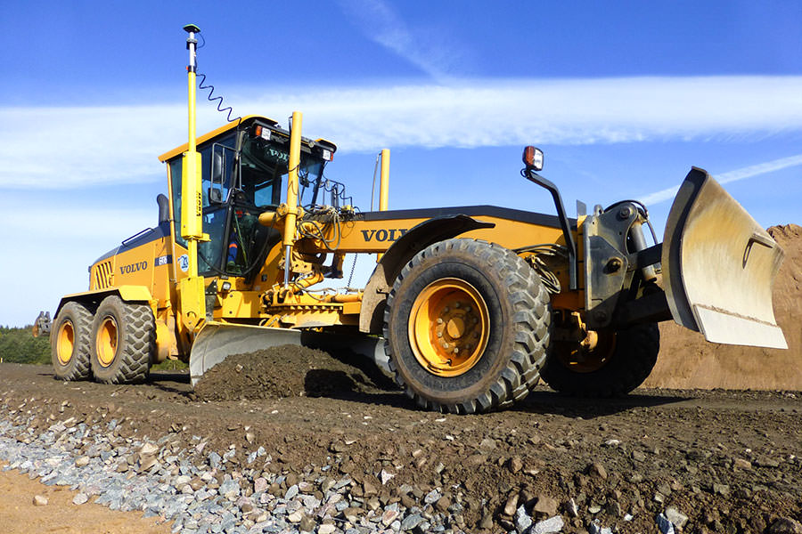 VOLVO motor grader with MOBA 3D GNSS solution in Russia