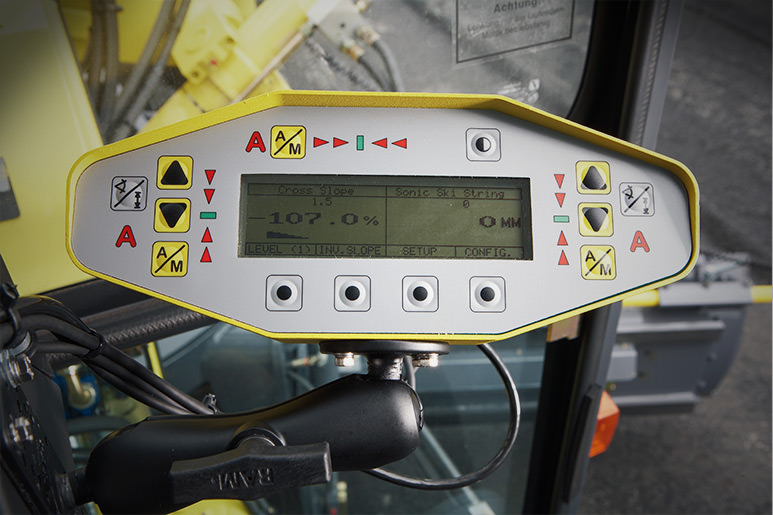 MOBA 2D Grade control panel for optimal earthmoving results