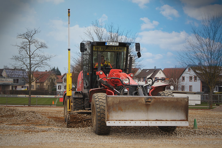 O&K motor grader with MOBA 3D TPS system in Germany