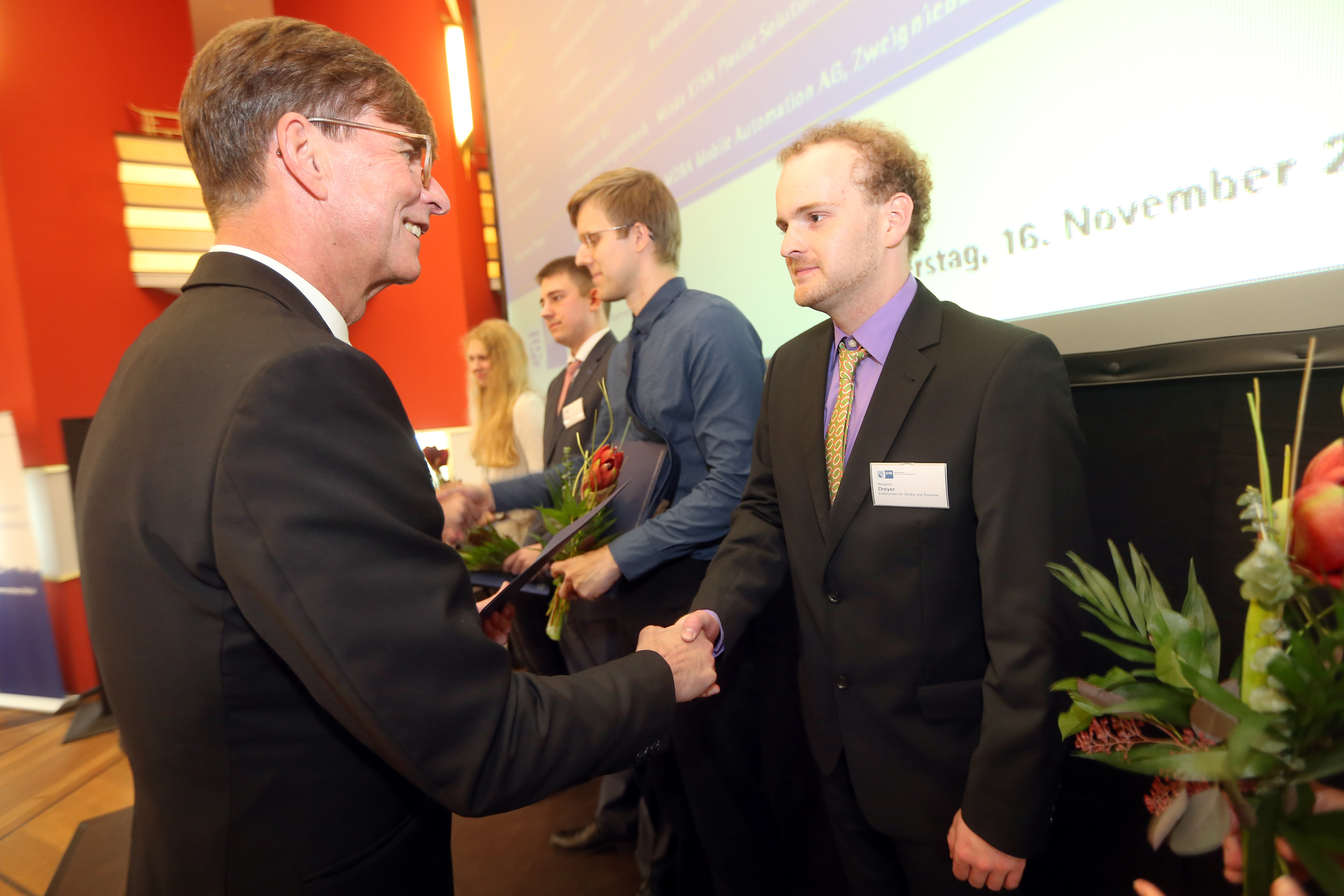 Handover of award, photo by Mrs. Jungnickel